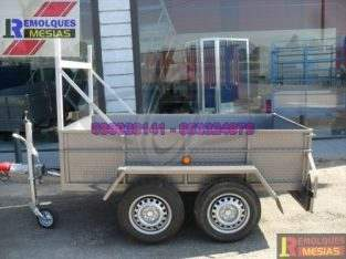 Remolque caja fija 2 ejes rueda lateral